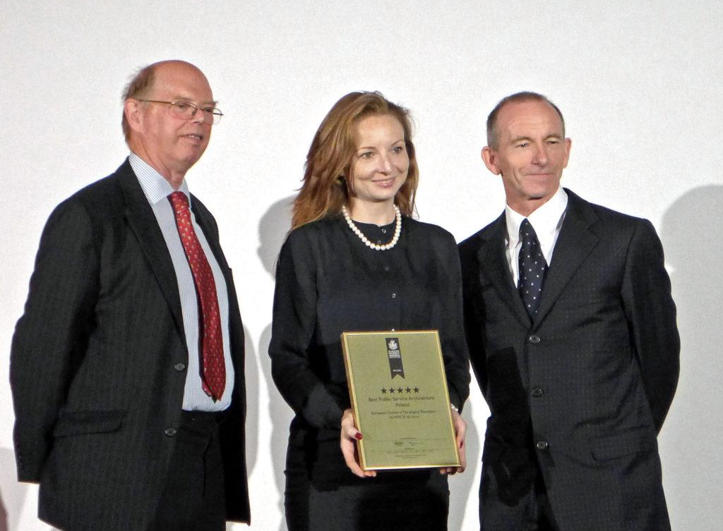 hrabia Caithness, Marta Sękulska-Wrońska, Stuart Shield